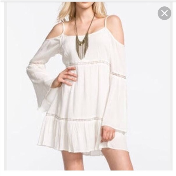 25c4290f932 ... Dillard s white bohemian dress. M 5b4c958f819e90dcfe45ee8d
